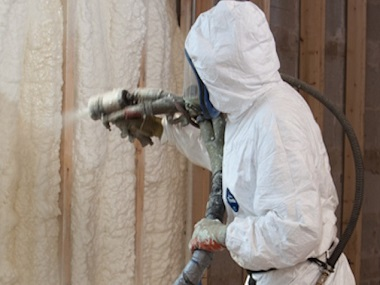spray-foam-insulation-installing